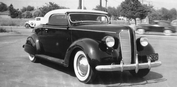 Valley Custom / Neil Emory's '37 Dodge