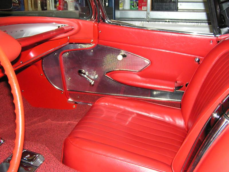 0 Corvette convertible package tray.jpg