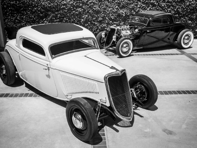 001-lomas-1934-ford-coupes-white-and-black-lpr.jpg