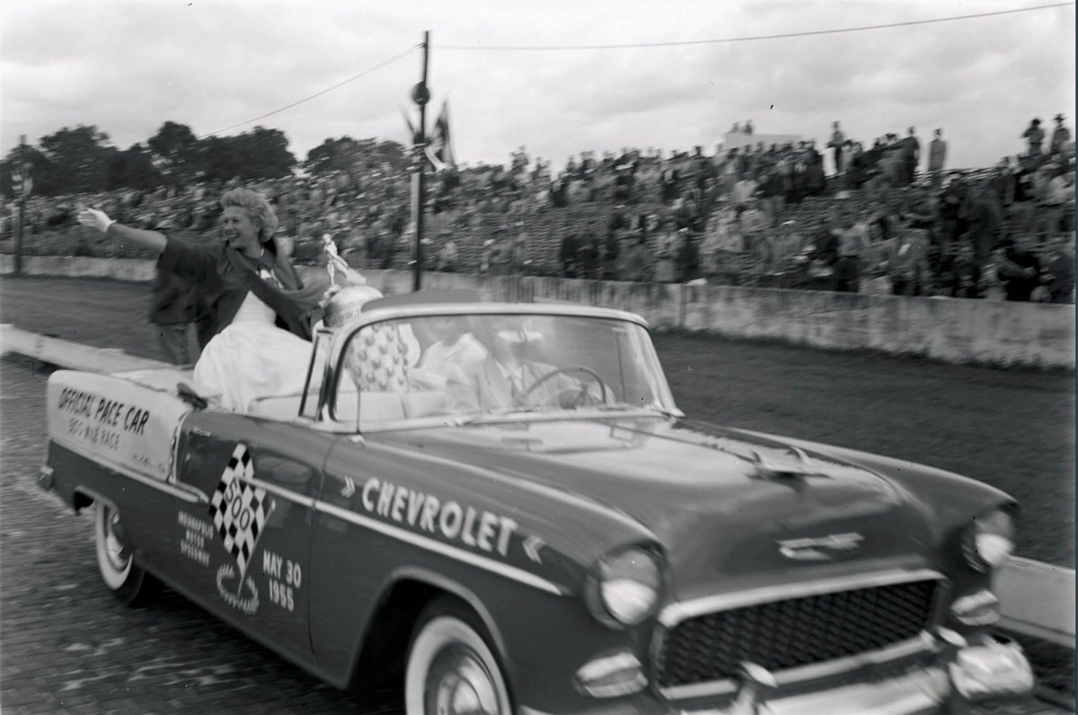 001-past-1955-action-pace-car-indy-queen.jpg