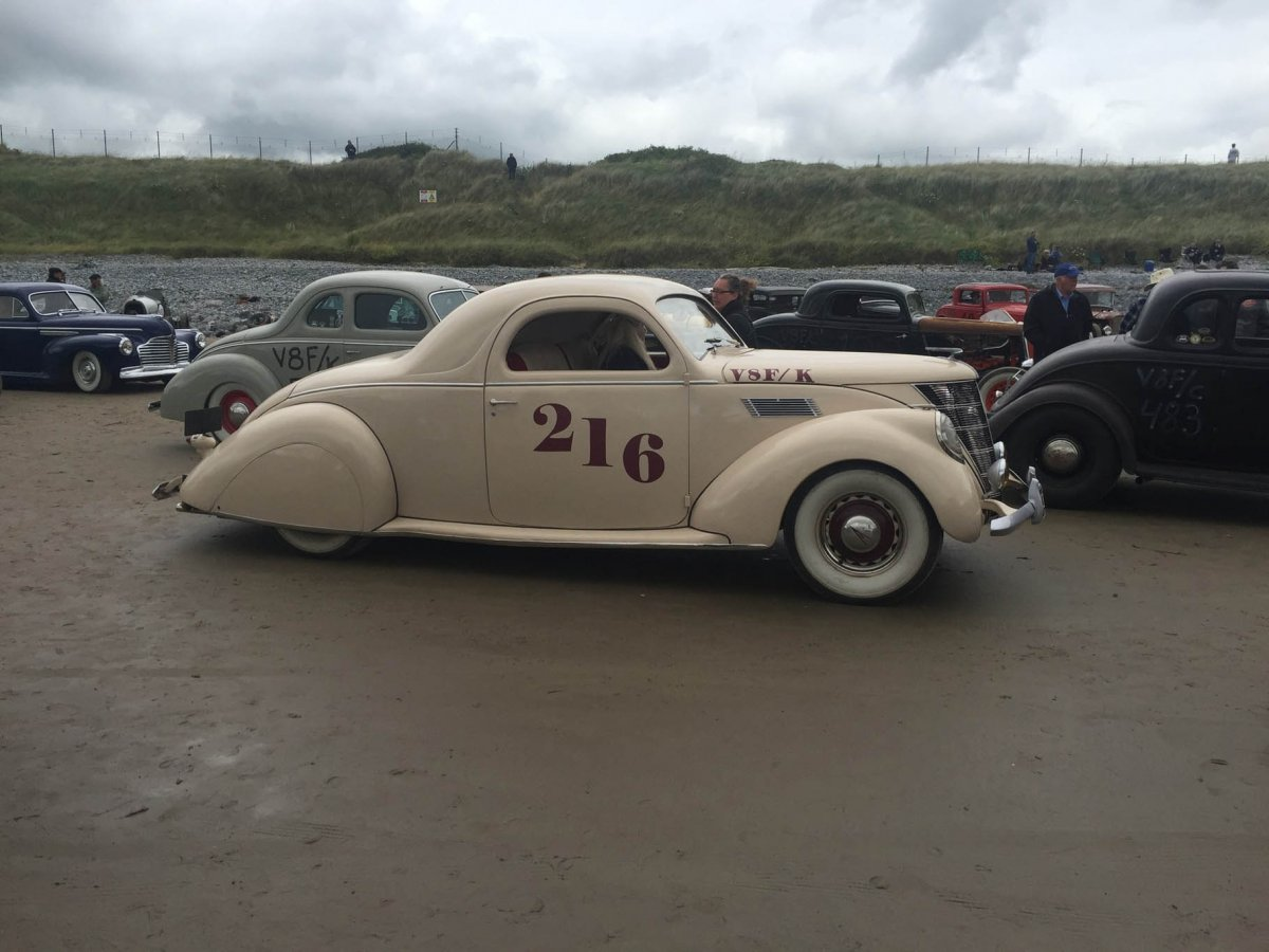008-2017-pendine-sands-newton-1937-lincoln.jpg