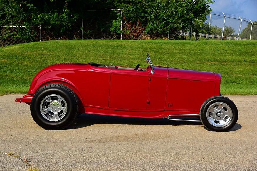 01-1932-ford-highboy-roadster-oney (1).jpg