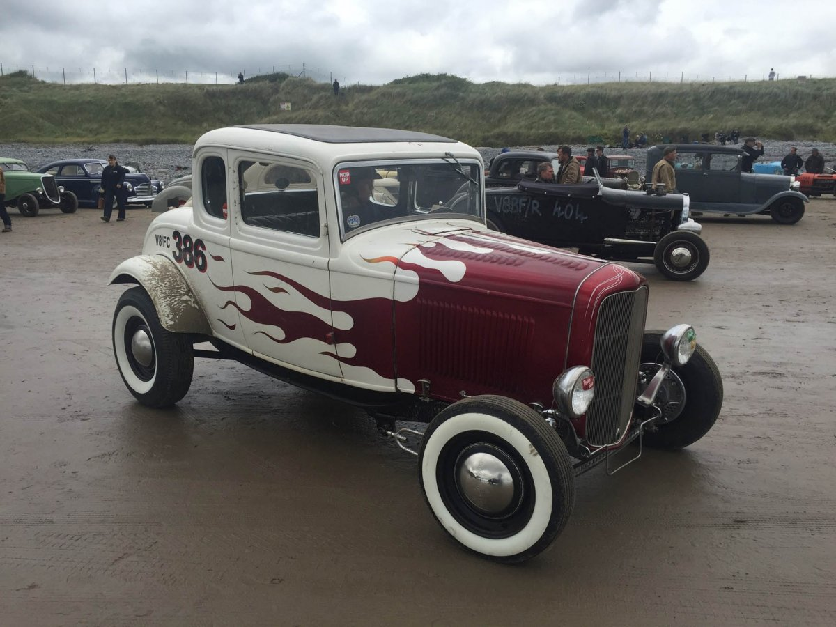 010-2017-pendine-sands-loeber-1932-ford-coupe.jpg