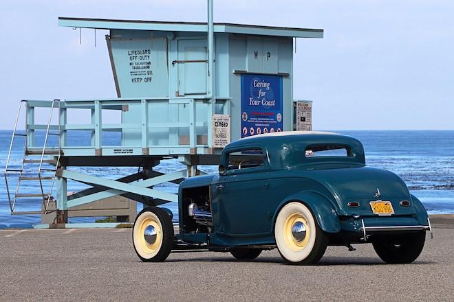 013-bird-1932-ford-coupe-rear-three-quarter-alt.jpg