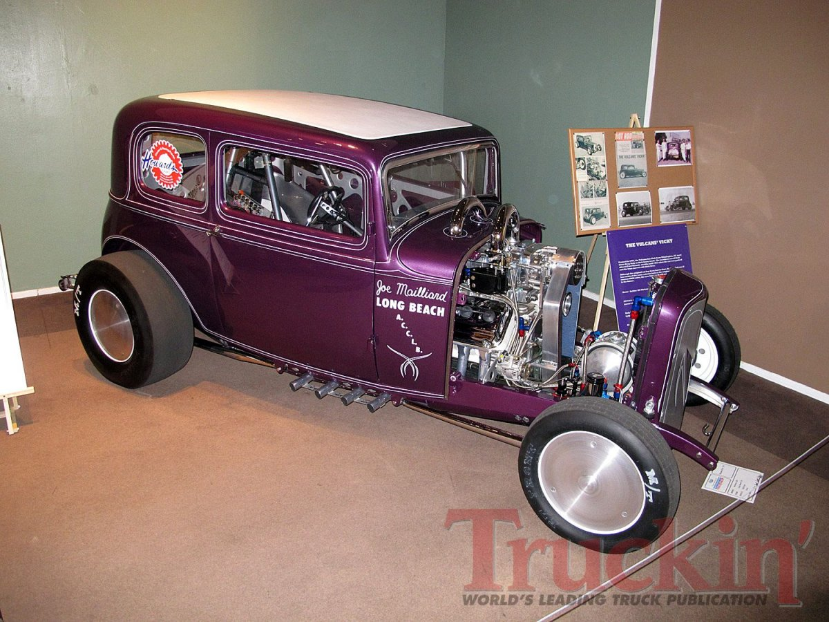013112tr_003+2012_grand_national_roadster_show+hot_rods_and_customs.jpg