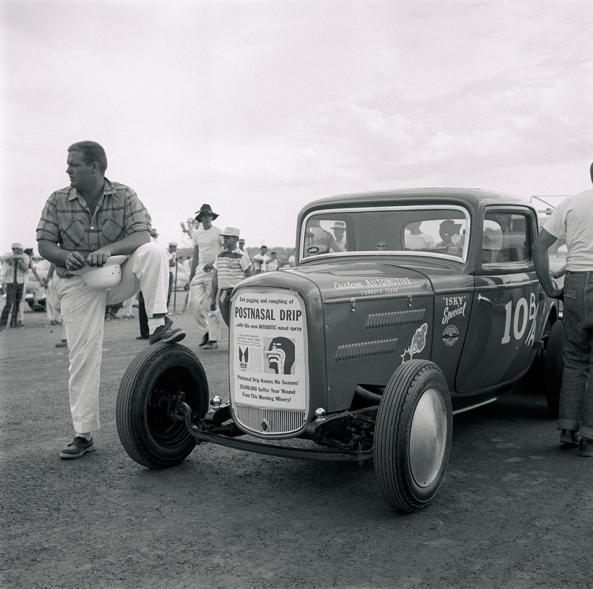 021-past-1956-deuce-coupe-nhra-nationals-front-1931-06_19560910_ROD-copy-2.jpg