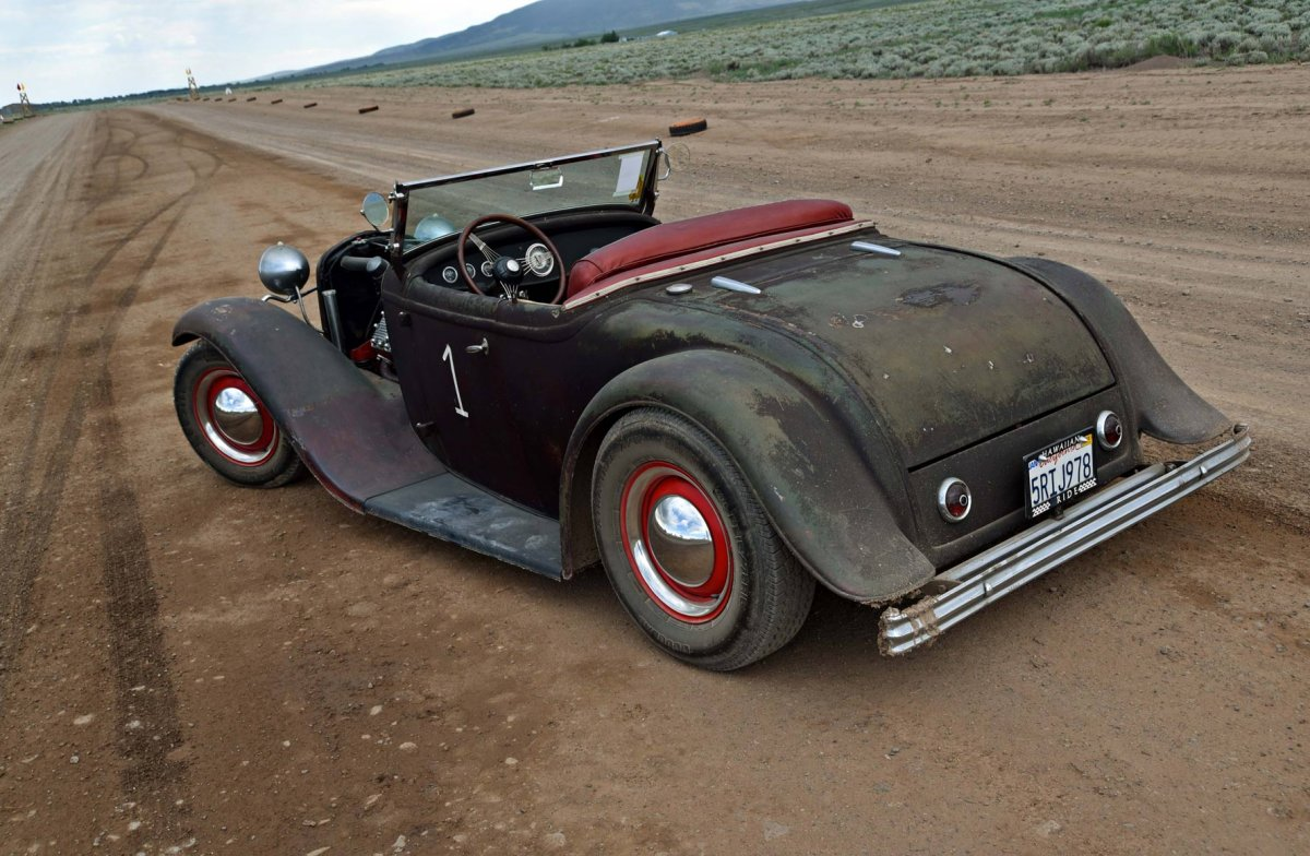 032-2016-hot-rod-dirt-drags-hawaiian-roadster-rear-three-quarter_sml.jpg