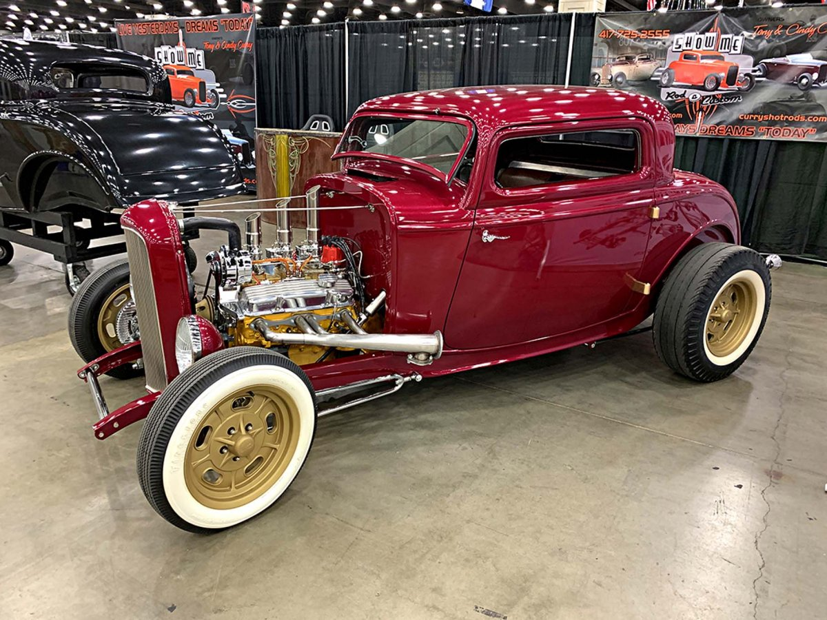 042-2019-nsra-50th-nationals-booth-cars.jpg