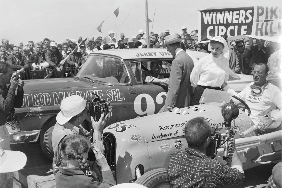 047-power-struggles-1957-sidebar-pikes-peak-winners-circle-bob-finney-jerry-unser-hrm-ford.JPG.jpg