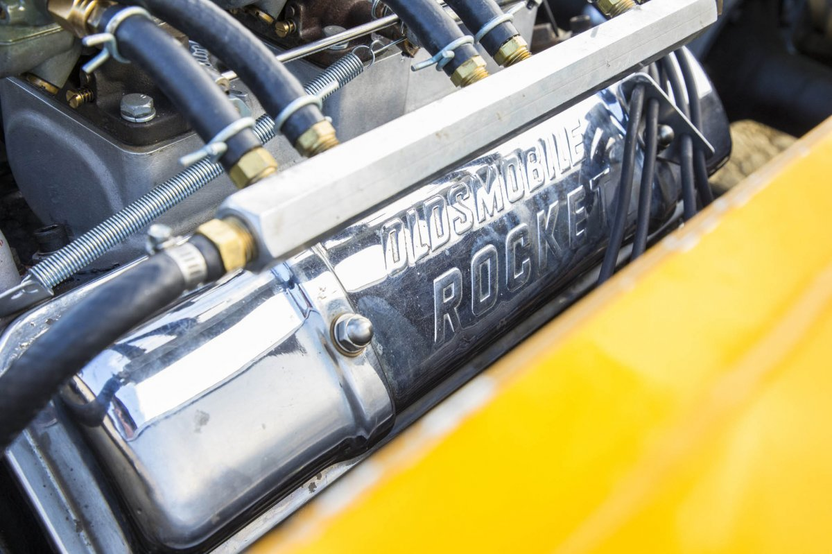 049-mcintyre-thompson-golden-rod-streamliner-valve-cover-detail.jpg