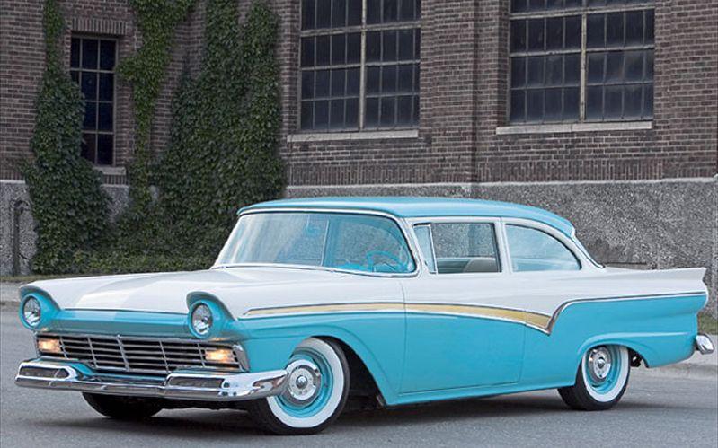 0611cr_01_z+1957_ford_custom_300+exterior_aluminum_side_trim.jpg