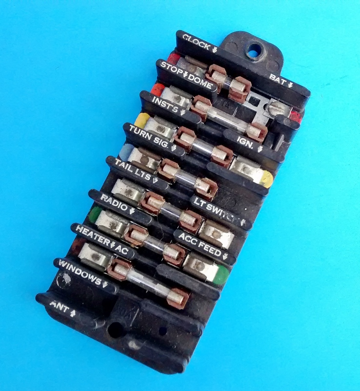 vintage auto or truck fuse block resto or rat rod project  vintage automotive fuse box #11