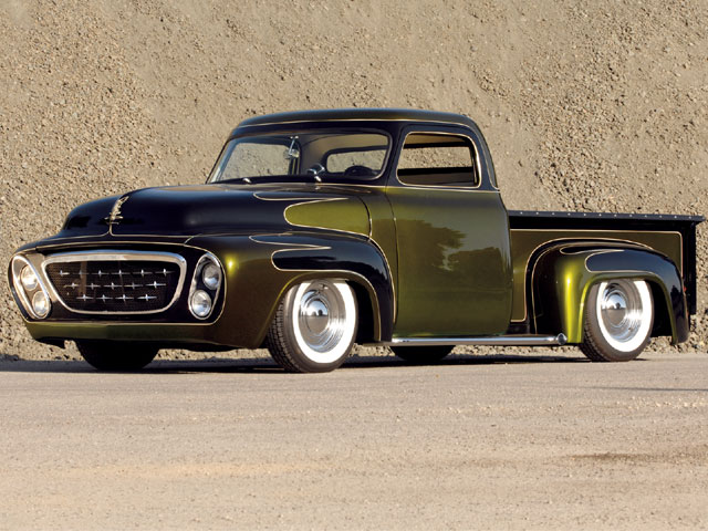 0801rc_04_z+craig_hahns_1955_kustom_f100+front_left_view-1.jpg