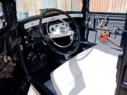 0802rc_05_z-1932_ford_chevy_coupe-interior.jpg