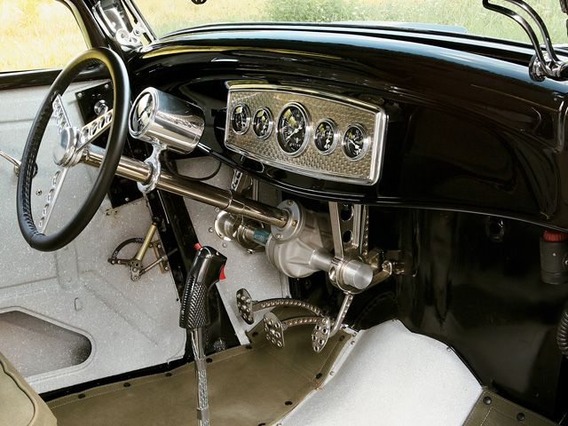 0808rc_05_z+1932_ford_coupe+[1].jpg