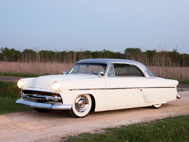 0810sr_01_z+1954_ford_custom+driver_side.jpg