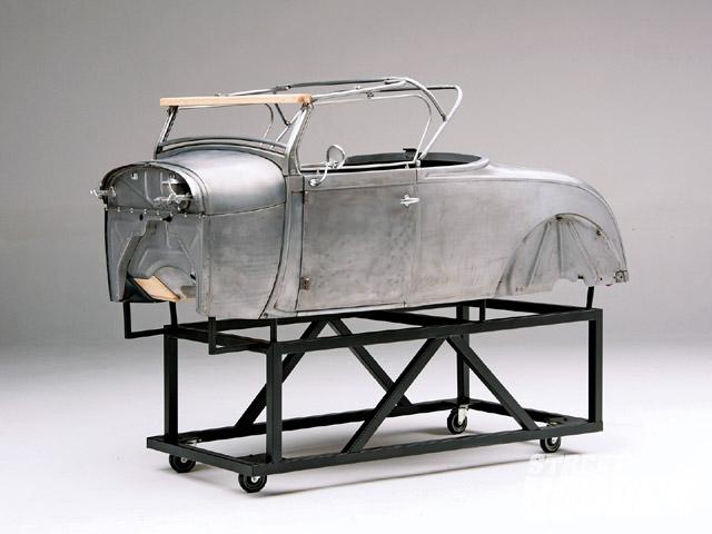 0910sr_05_z+1929_ford_roadster+body.jpg