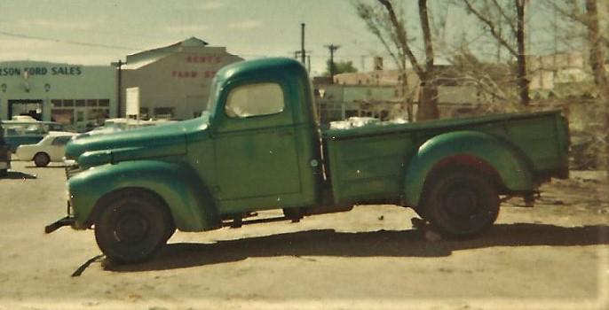 1 1947 International pickup (3).JPG