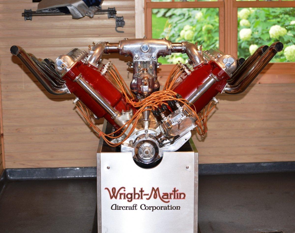 1 engine 1929 650 HP V-12 Hispano-Suiza Model 12 a.jpg
