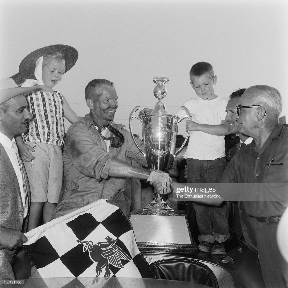 10 1958 USAC United States Grand Prix - R.jpg