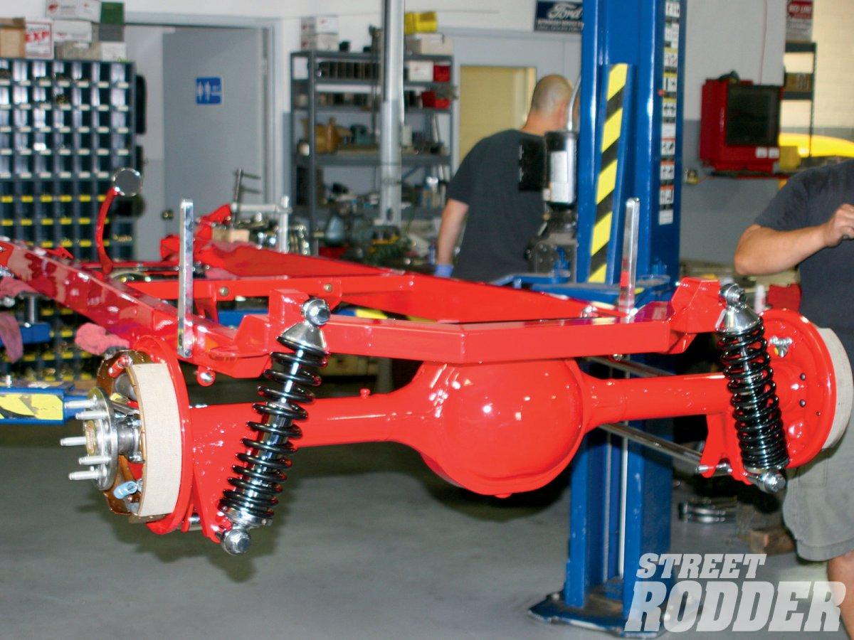1004sr_16_o-model_a_signature_chassis-rear_suspension.jpg