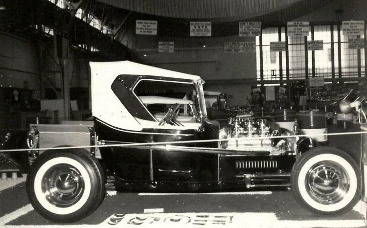 11 Oakland-Roadster-Show-Don-Brusseau-T-Bucket.jpg
