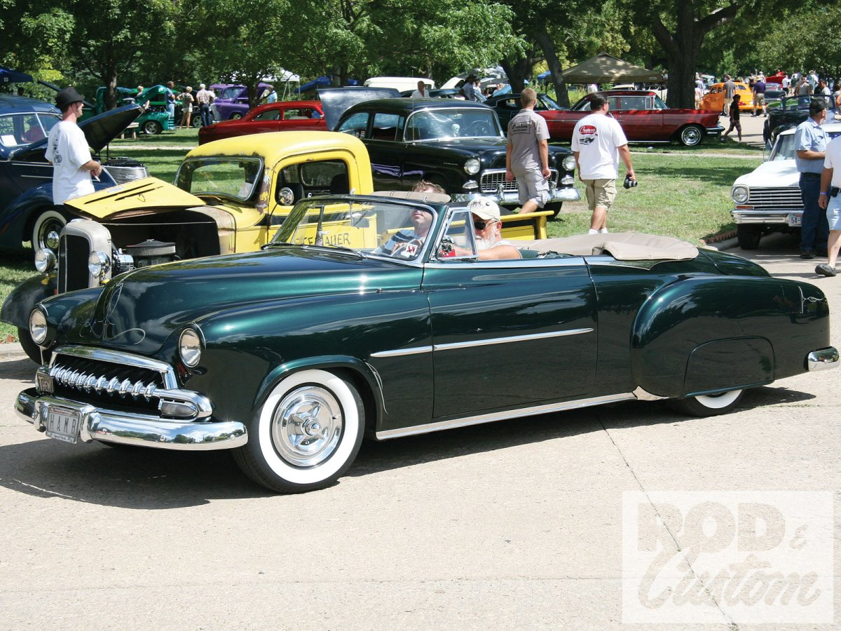 1102rc_18_o-leadsled_spectacular_custom_car_show-custom_chevy_convertible.jpg