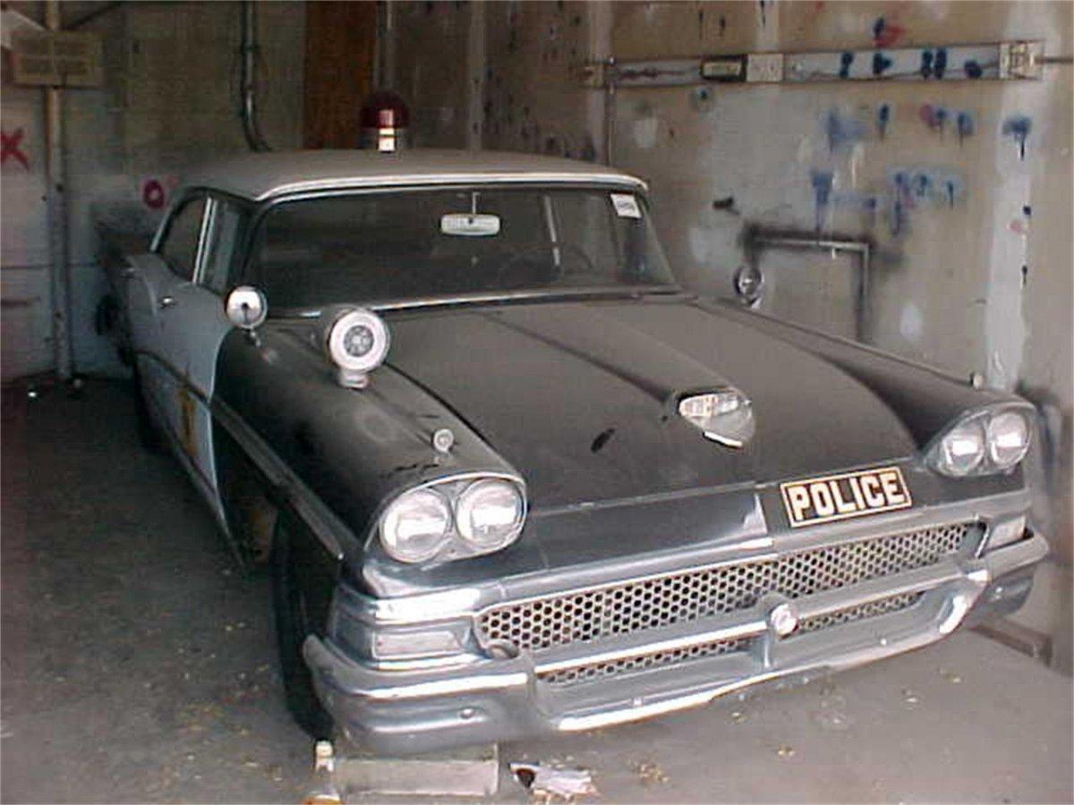 11648757-1958-ford-police-car-std.jpg