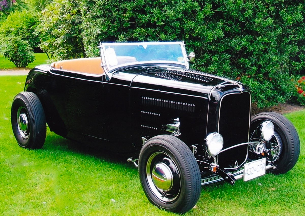 11th Car. 1932 Ford Hiboy.JPG
