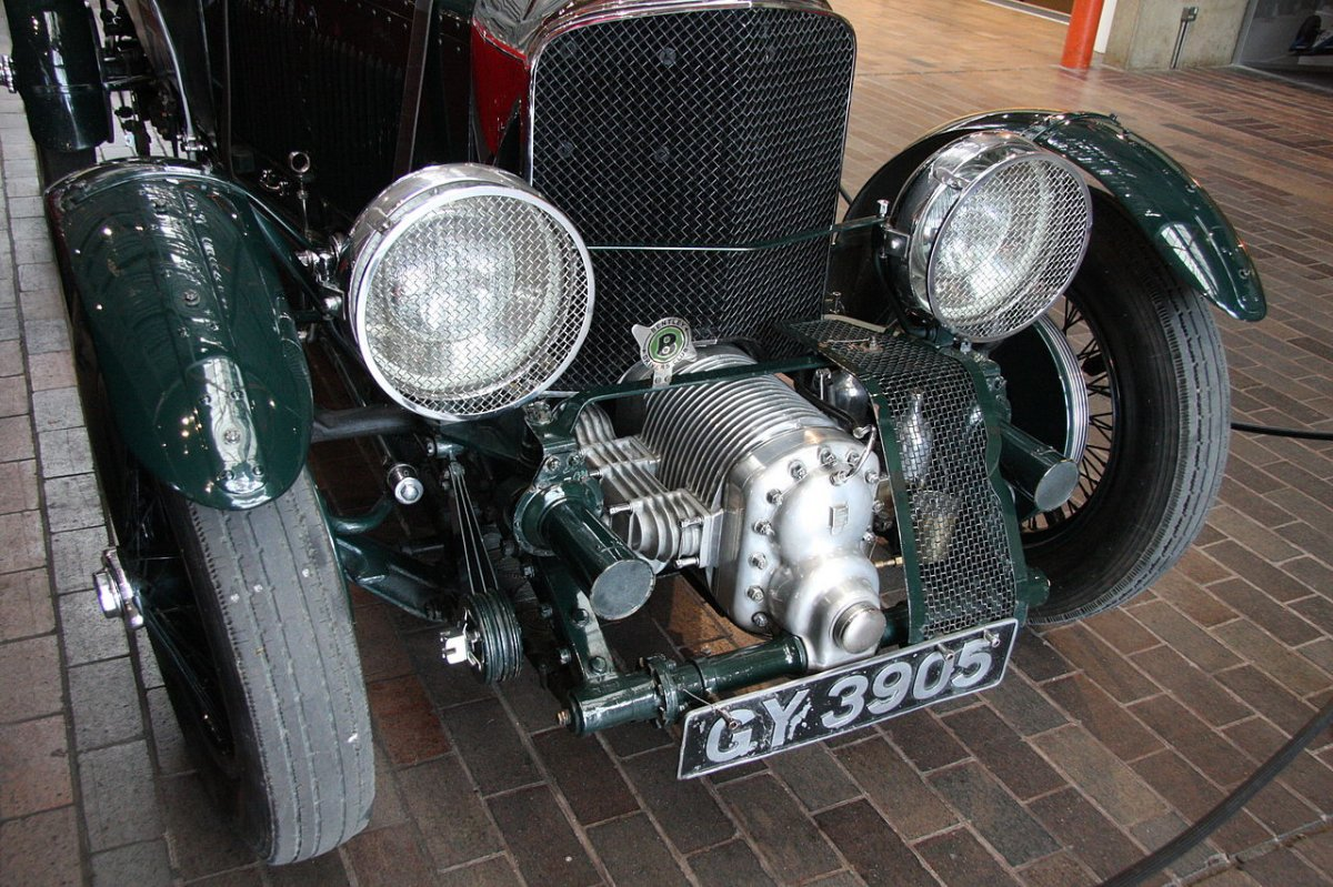 1280px-Bentley_4½_Litre_Blower.jpg