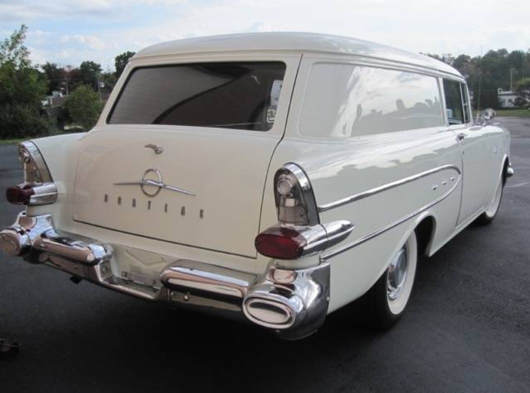 12a 1957 Pontiac Pathfinder Sedan Delivery.jpg