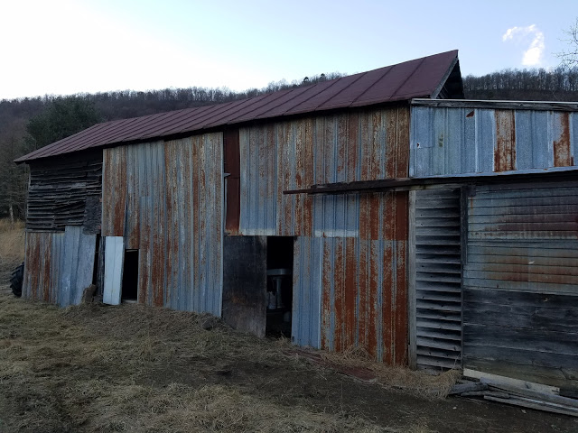 (13) Barn Find Deuce 5wd ... stored since '54 or '55.jpg