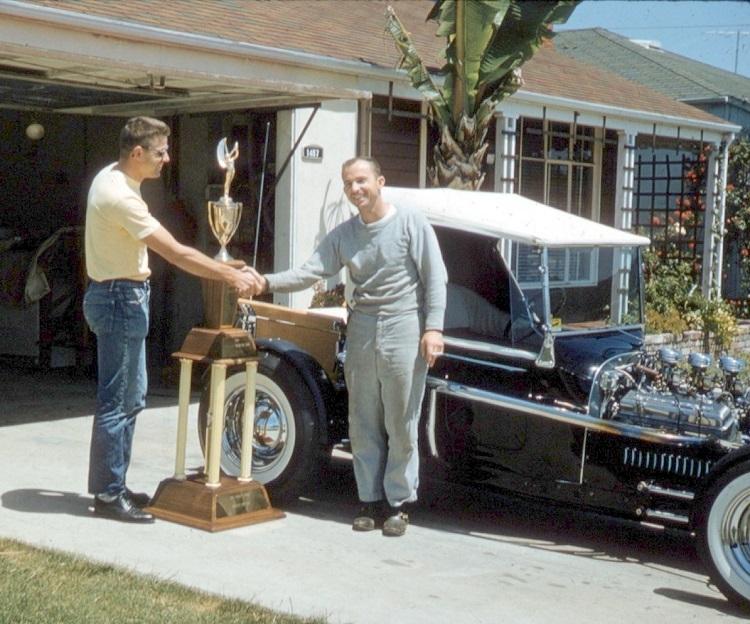 13 Don-Brusseau-T-Bucket-1960-Oakland-Roadster-Show-Peoples-Choice-winner.jpg