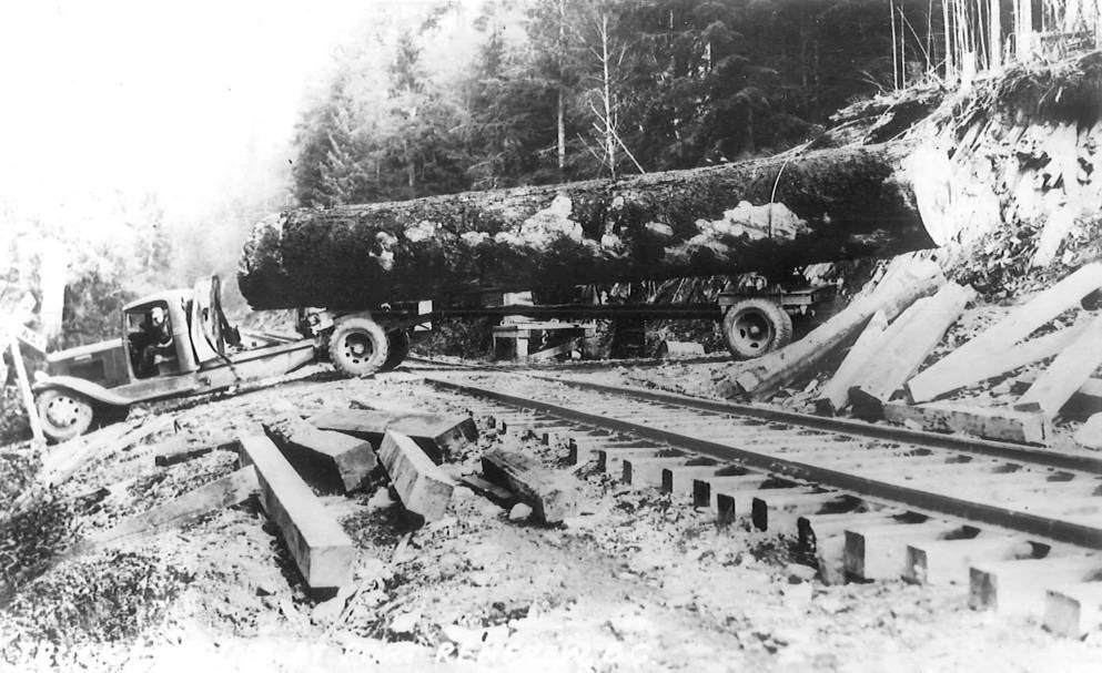 13464887_web1_180912-SNM-M-Logging-Truck.jpeg