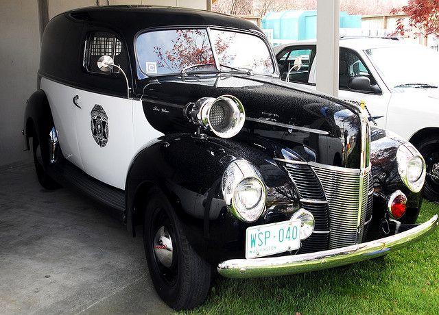 13b0108acc566e27131579064c34c55a--old-police-cars-ford-police.jpg