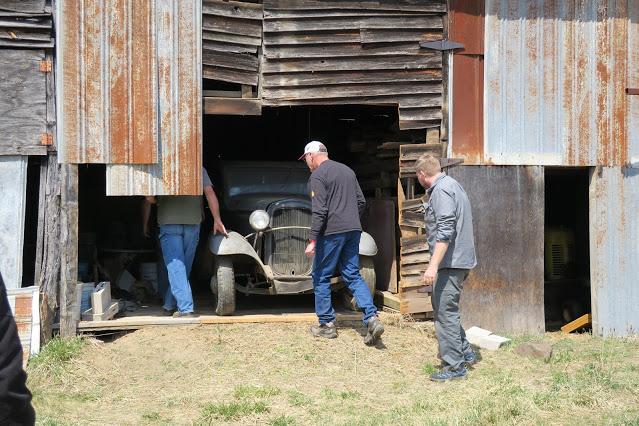 (14) Barn Find Deuce 5wd ... stored since '54 or '55.JPG