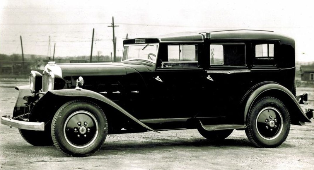 14 This big black beauty is a 1931 Checke.jpg