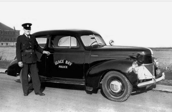 143 1940 Studebaker Champion DeLuxe.JPG