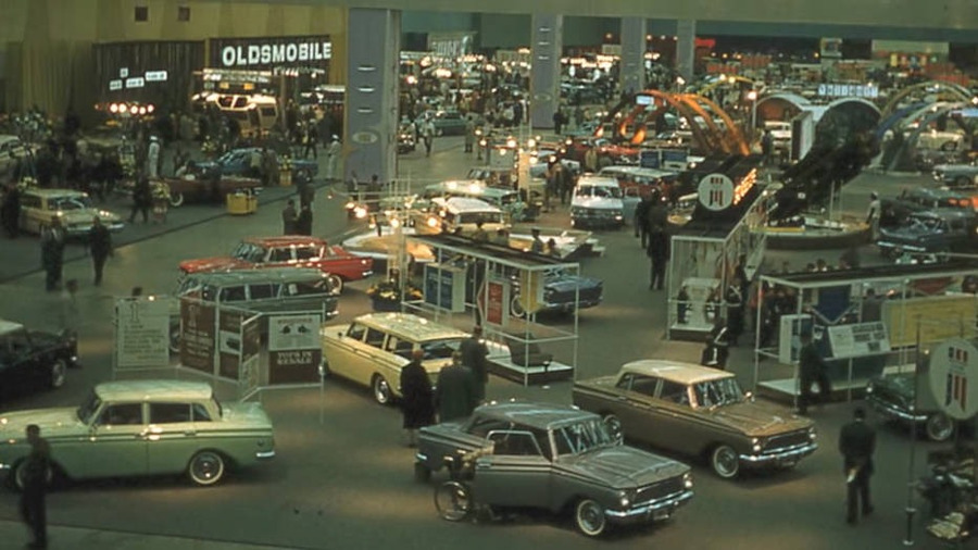 14aRambler_display_inside_1960_Detroit_Auto_Show_AutoWeek_RESIZED_3.jpg