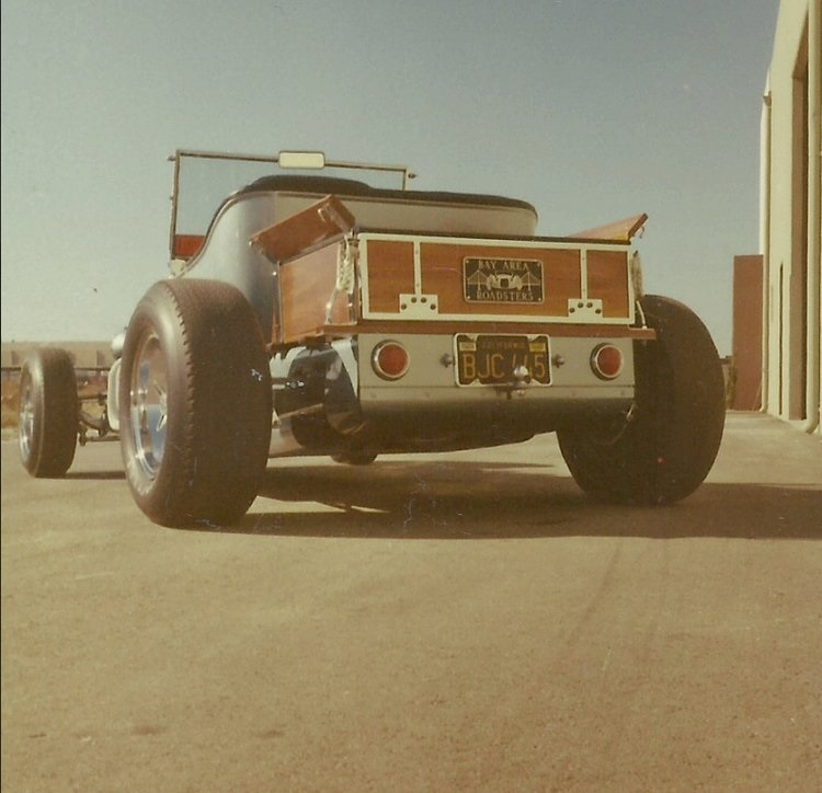 16 Rear-view-Don-Brusseau-T-Bucket-roadster.jpg