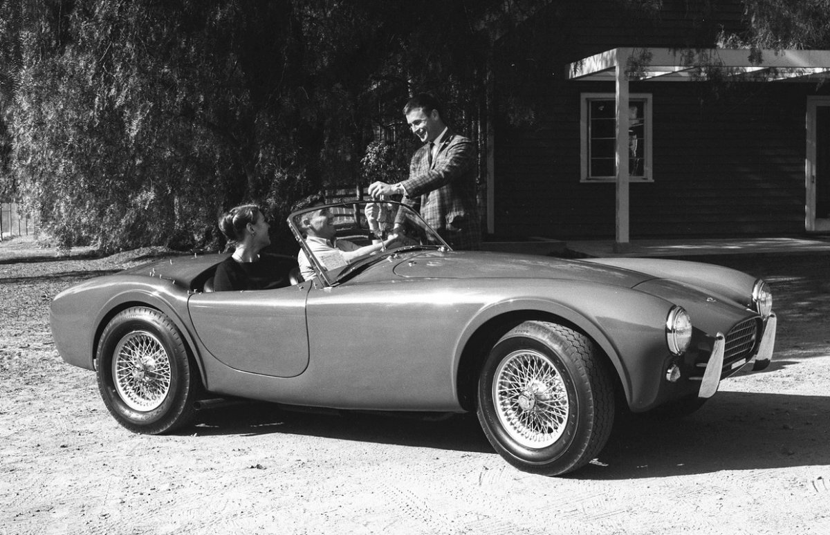 160 Promotional Photo for the 1962 Cobra. That's the 260 Pr.jpg