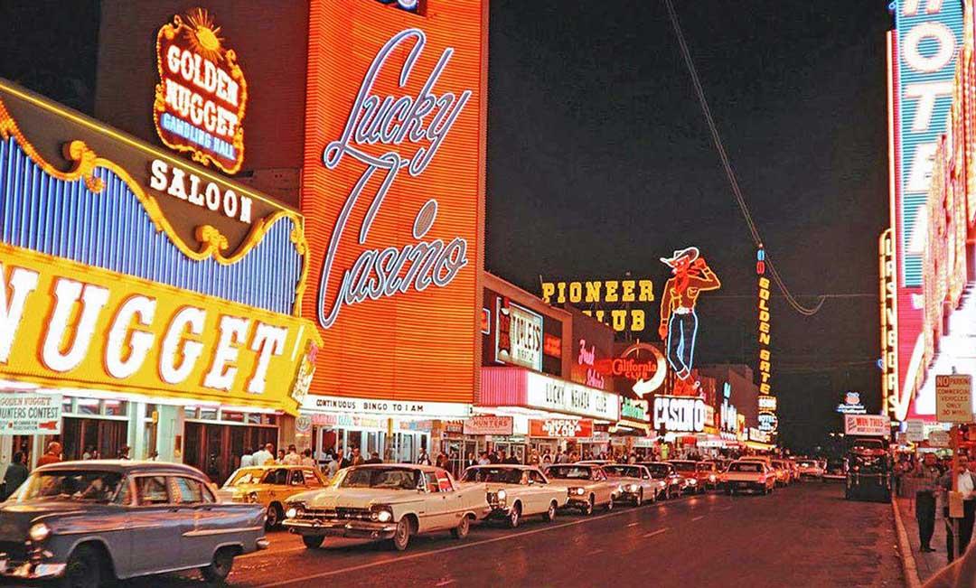 166 las-vegas-street-scene-c1965.jpg