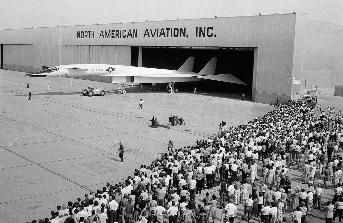 167  XB70A triplesonic research plane may 1965.jpg
