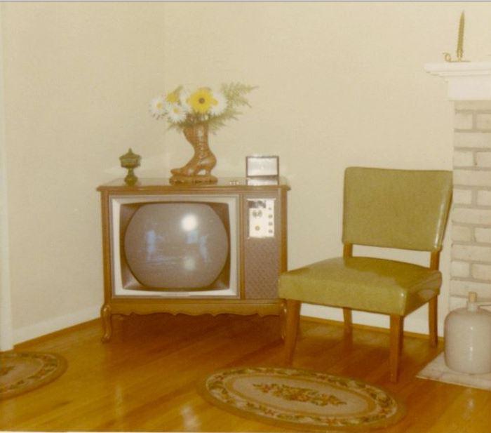 176 60s living room.JPG