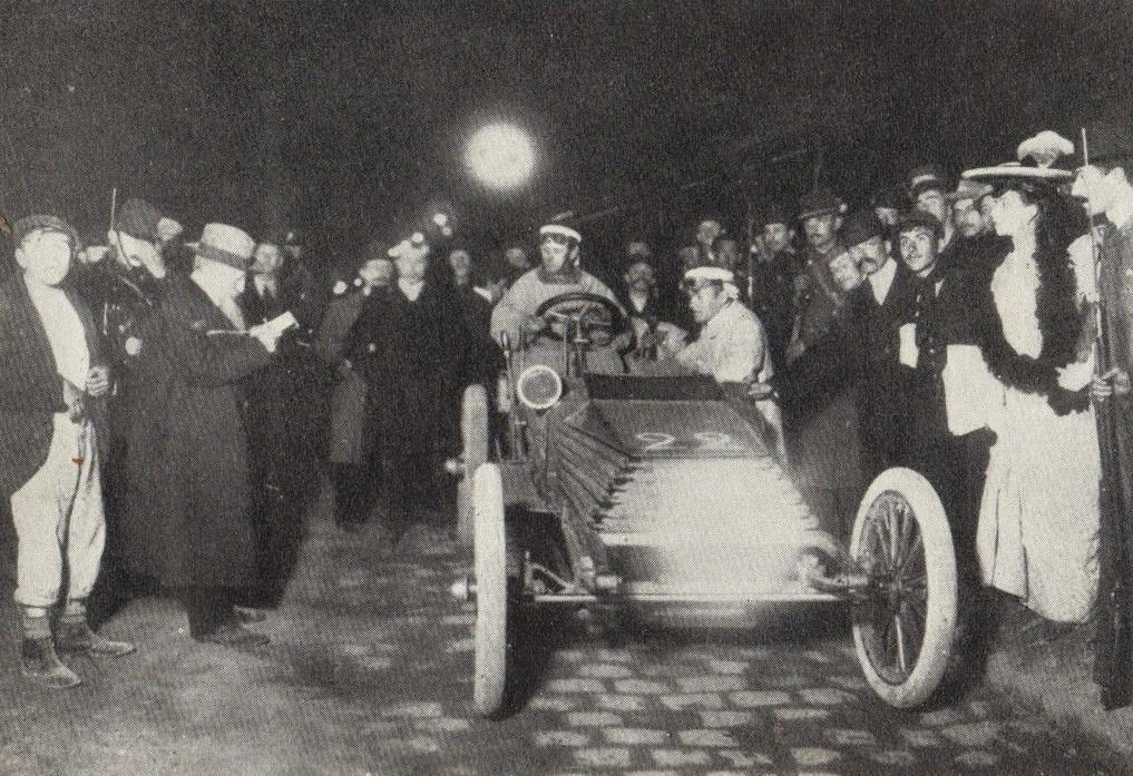 1903 paris madrid sidney girling wolseley ready for the daybreak start at versailles.jpg