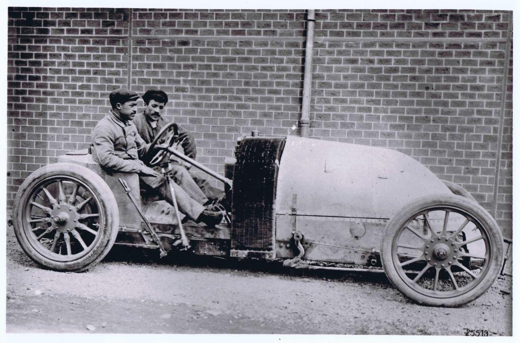 1905RenaultRaceSmall.jpg