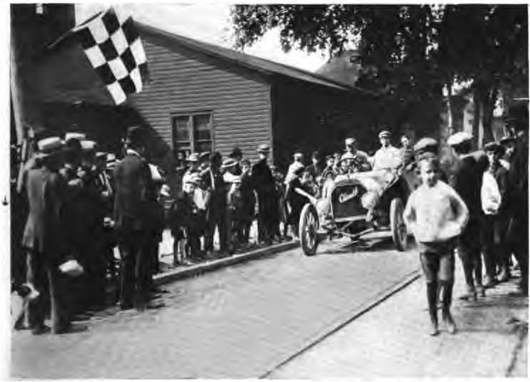 1906 Glidden Tour Checkered Flag.jpg