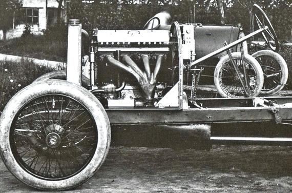 1912-Bugatti-5-liter-engine.jpg