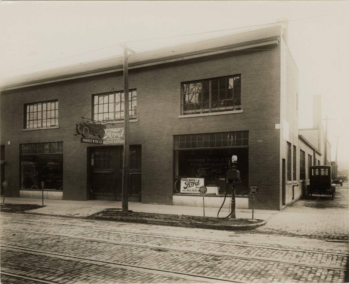 1917 Ford dealer Detroit.jpe