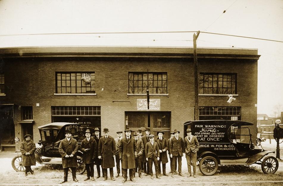 1917 Ford dealer Detroit2.jpe